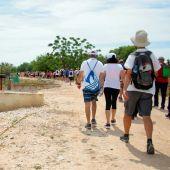"""El pasado sábado, más de sesenta voluntarios medioambientales -acompañados de Protección Civil- se repartieron en cuatro tramos la ruta para llevar a cabo la primera jornada de """"Plogging"""""""