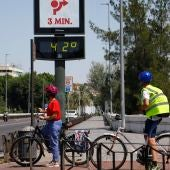 Termómetro en el Puente de San Rafael de Córdoba.