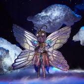 Mariposa convierte el plató de 'Mask Singer' en una fiesta al son de 'Ella Elle L'a'