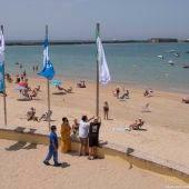 Las banderas azules ya lucen en Cádiz