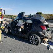 Dos fallecidos en este siniestro en Cañada Juncosa tras la colisión entre un turismo y un camión