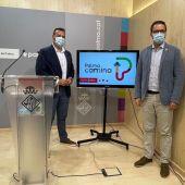 """El Alcalde de Palma, José Hila, junto al regidor de mobilitat, Xisco Dalmau, en la presentación del plan """"Palma camina""""."""
