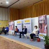 """Los ministros de Educación y Política Territorial en una charla con estudiantes del IES """"Pedro Mercedes"""" este jueves en la ciudad de Cuenca"""