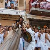 Simulacro de la batalla entre moros y cristianos durante las fiestas de la Patrona de Pollença
