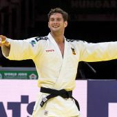 Nikoloz Sherazadishvili tras ganar el mundial de judo