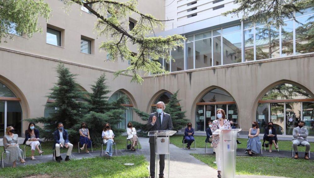 Azcón y Fernández han hecho balance acompañados por todos los concejales en el Edificio Seminario