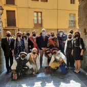 El Ayuntamiento de Logroño descubre una placa en recuerdo de los logroñeses de 1521