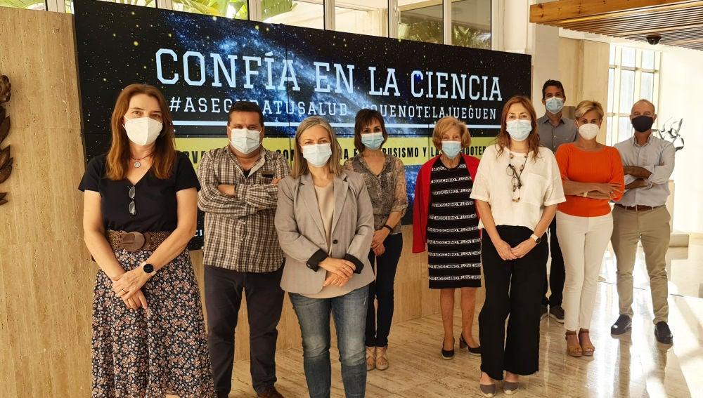 El equipo que integra el observatorio contra el intrusismo y las pseudoterapias