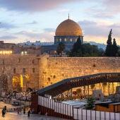 """Mikel Ayestaran: """"En Jerusalén viven juntos pero de espaldas unos a otros"""""""
