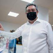 El candidato a las primarias del PSOE-A y alcalde de Sevilla, Juan Espadas