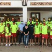 """La presidenta del Consell de Formentera desea a los socorristas de playa """"mucha suerte"""" para la temporada"""
