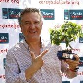 El periodista Roberto Brasero recibe el Premio a la Excelencia Picota del Jerte 2021
