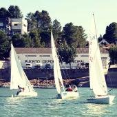 Práctica de deportes acuáticos en el Mar de Aragón