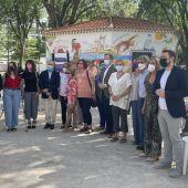 Un mural de mujeres homenajea a María José Merlos en el Parque Lineal