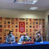 El concejal de comercio, Ramón Fuertes, el gerente del CCA, Rodolfo Pangua, y la directora general de comercio, Eva Fortea.