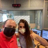 Isabel Ortuno en su programa radiofónico junto a Marcos Galván