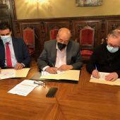 El convenio se ha firmado esta mañana en el Palacio del Obispado