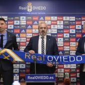 Ruben Reyes, Manuel Paredes y Antonio Rivas, en el Carlos Tartiere