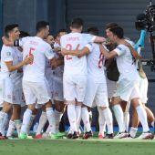 Los jugadores de España celebran uno de los goles ante Eslovaquia