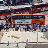 Una caravana de autobuses escolares recorrerá este viernes Murcia en defensa del sector