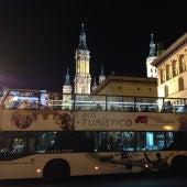 El Bus Turístico ofrecerá un servicio especial 'Noche en Blanco' que recorrerá los encantos iluminados de Zaragoza