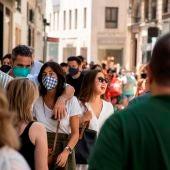 El centro de Sevilla, en el primer día sin ser obligatorio el uso de mascarillas en exteriores