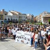 La concentración ha reunido a varios cientos de personas en Tomelloso