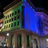 Edificios emblemáticos de la capital también homenajean este día