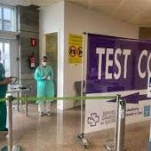 Cribado en los aeropuertos a los estudiantes que regresan de Baleares