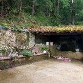 La fuente de Beronda gana el concurso de enramáu de Piloña