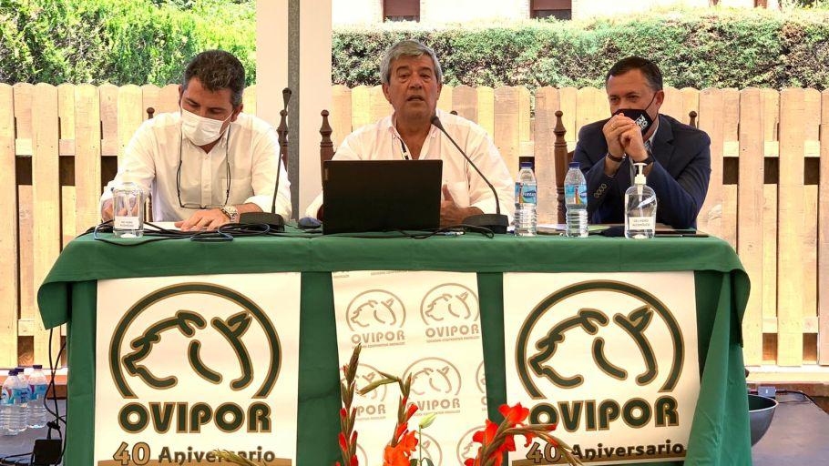 De izquierda a derecha: Álvaro Burgos, Delegado de Agricultura; Agustín González, Pte de Ovipor; y José Enrique Borrallo, Delegado de Desarrollo Rural