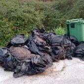 Ciudadanos Colunga propone un servicio para la recogida de plásticos ganaderos