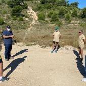 Voluntarios en la sierra de Crevillent.