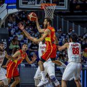 España arrasa a Irán camino a los Juegos (96-53)