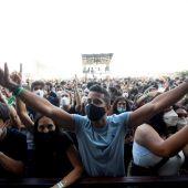 Miles de jóvenes disfrutan este jueves en el festival Cruïlla de Barcelona