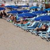El sector turístic confia en la remuntada a partir del mes d'agost.