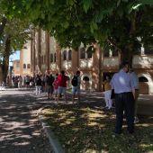 Colas en el primer día de venta de entradas para la feria taurina de Cuenca
