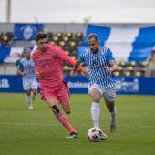 El jugador del Atlético Baleares, Alberto Castaño, durante un partido