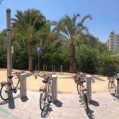El Ayuntamiento de Elche ha instalado 36 nuevos puntos de aparcabicis para el fomento de la movilidad sostenible