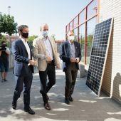 El alcalde, Jorge Azcón, ha visitado las obras acompañado de los responsables de EDP y ECODÉS, Gabriel Nebreda y Víctor Viñuales