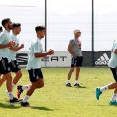 Los futbolistas de la selección española se entrenan bajo las órdenes de Luis de la Fuente.