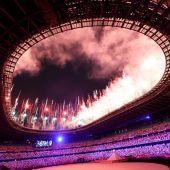 Fuegos artificiales en la inauguración de los Juegos Olímpicos de Tokio 2020