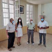 La Asociación de Jubilados de Desamparados podrá hacer uso del espacio de la antigua cantina tras un acuerdo con Bienestar Social