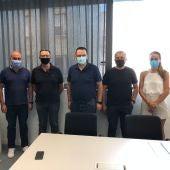 El Ayuntamiento de Almoradí se reúne con ACERVEGA para estudiar futuros servicios a pacientes del municipio y comarca