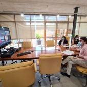 Imagen de la reunión telemática entre responsables municipales y de la Consellería de Educación