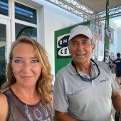 Elka Dimitrova posa con el Almirante Rodríguez-Toubes en el RCNP en el transcurso de la Copa del Rey de Vela.