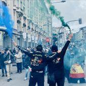 Una de las manifestaciones de JUCIL y JUSAPOL reclamando equiparación salarial entre fuerzas de seguridad del estado