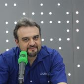 J.F León