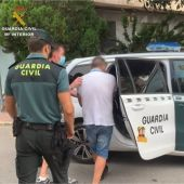 Detenido por golpear contra la pared a una anciana con andador para robarle el bolso con 6.000€