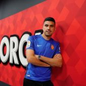 Rodrigo Battaglia, futbolista que luce la camiseta del Real Mallorca durante la temporada 2021-22
